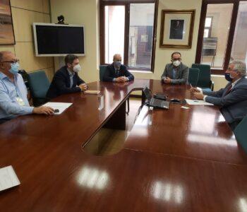 Los clústeres aragoneses CAMPAG y TECNARA presentan al consejero de Agricultura su grupo de trabajo en materia de promoción de la transformación digital del sector